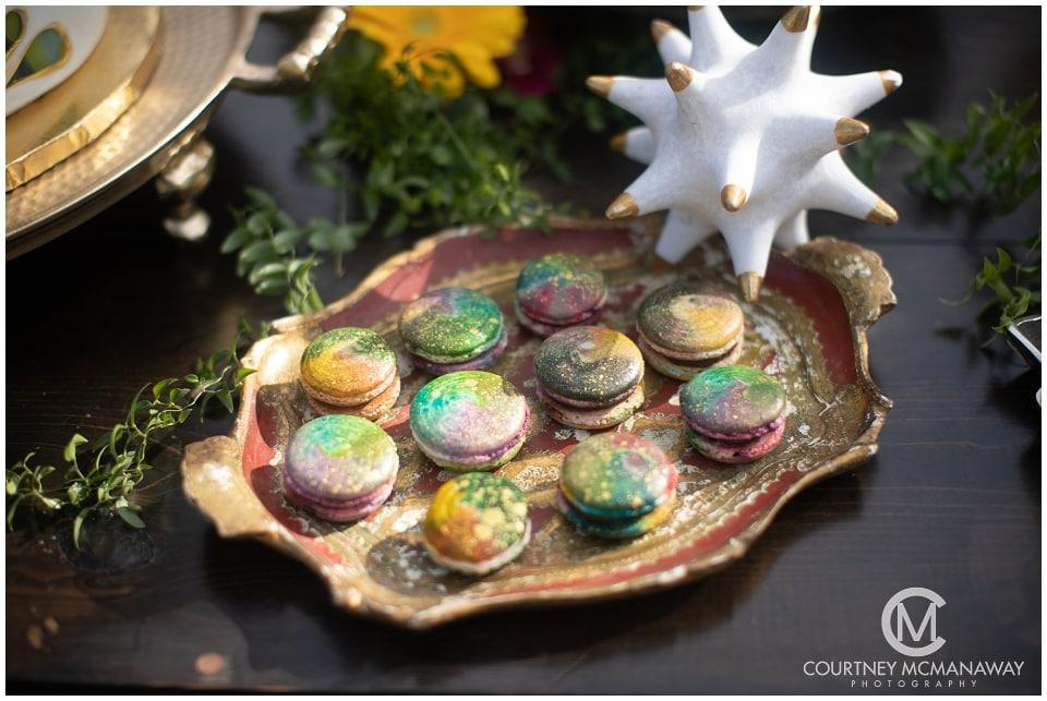 boho-wedding-inspiration-rainbow-macarons
